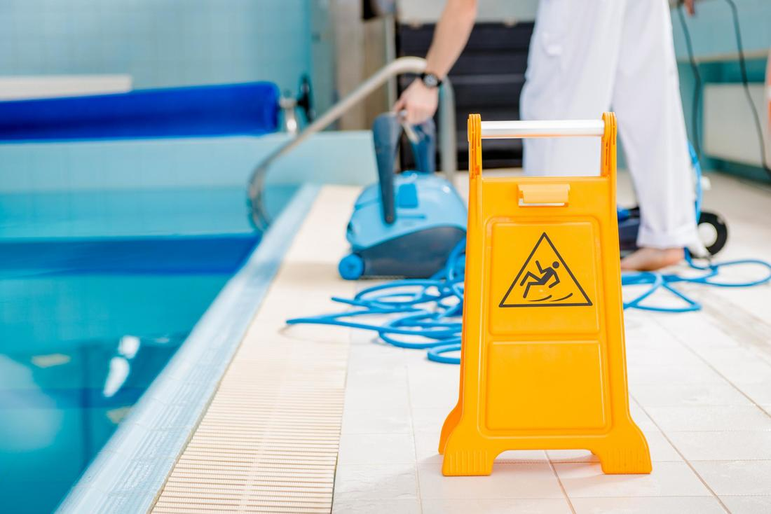 MESA POOL CLEANING SERVICES - Home